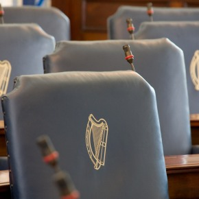 Irlanda, proposta di legge: e-cig come il tabacco. Proteste deifumatori