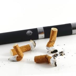 Sigaretta elettronica, in vetta alla classifica dei metodi per smettere difumare