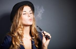 Le Figaro: sigarette elettroniche, successo giustificato inFrancia