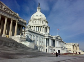 NY Times | Report del Congresso: le e-cig attirano igiovani