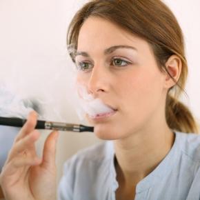 I fumatori che usano le e-cig hanno più probabilità di smettere difumare