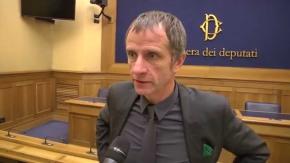 """Caparini (Lega Nord): """"Estendere la black list dei monopoli per il gioco online ai siti di ecigirregolari"""""""