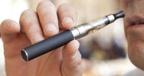 Regno Unito, studi: Per smettere di fumare serve svapare ognigiorno