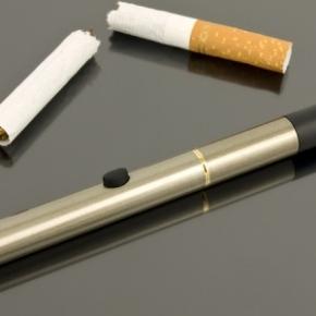Sigaretta elettronica meglio di cerotti e gomme per smetterefumare